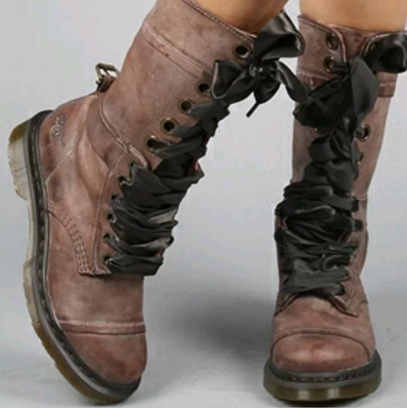 Dr. Martens Shoes - Womens doc martens Triumph 12 eye Sz 5 5e98fc197bfc